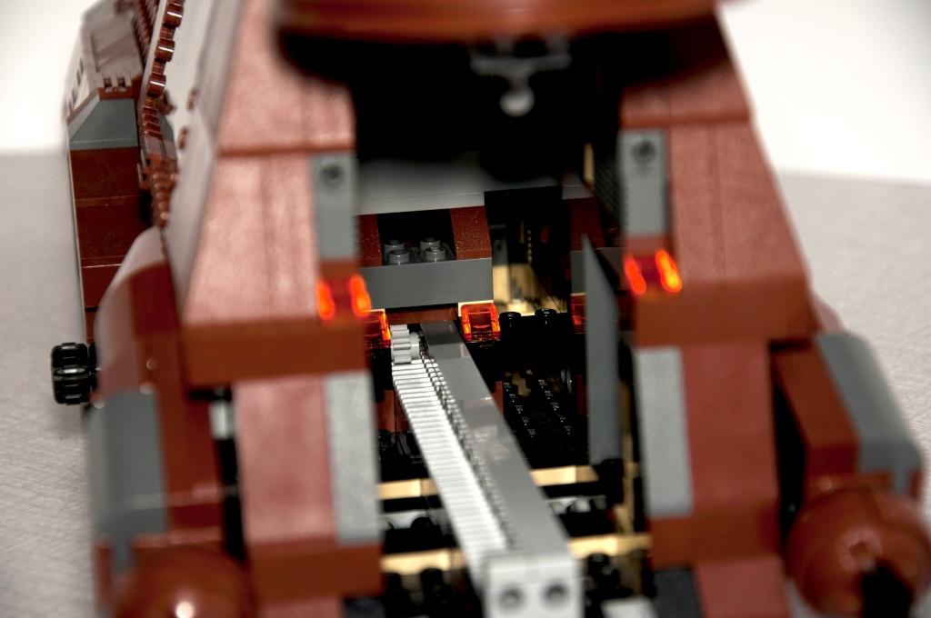 Lego - 7662 - Trade Federation MTT Dsc_0424