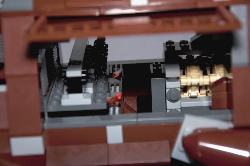 Lego - 7662 - Trade Federation MTT Dsc_0427