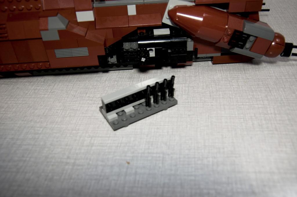Lego - 7662 - Trade Federation MTT Dsc_0428
