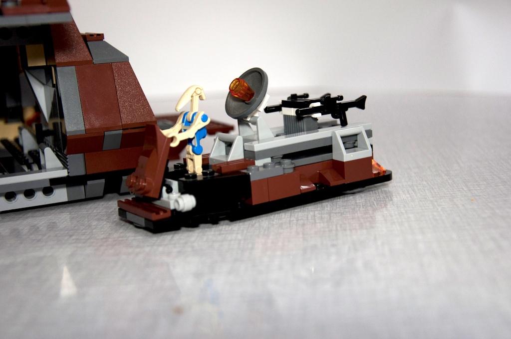 Lego - 7662 - Trade Federation MTT Dsc_0430