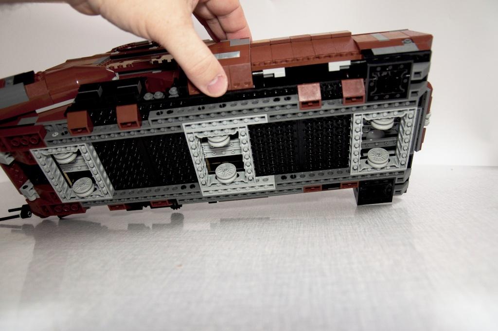Lego - 7662 - Trade Federation MTT Dsc_0433
