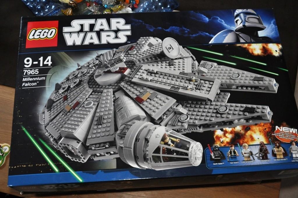 LEGO STAR WARS - 7965 - Millennium Falcon  Dsc_0554