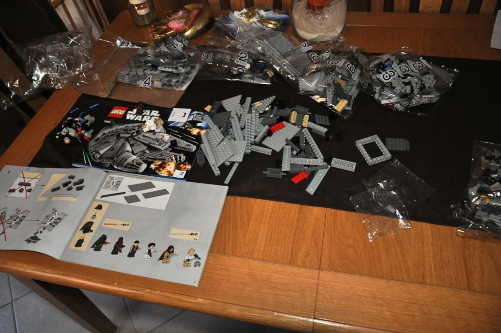 LEGO STAR WARS - 7965 - Millennium Falcon  Dsc_0556
