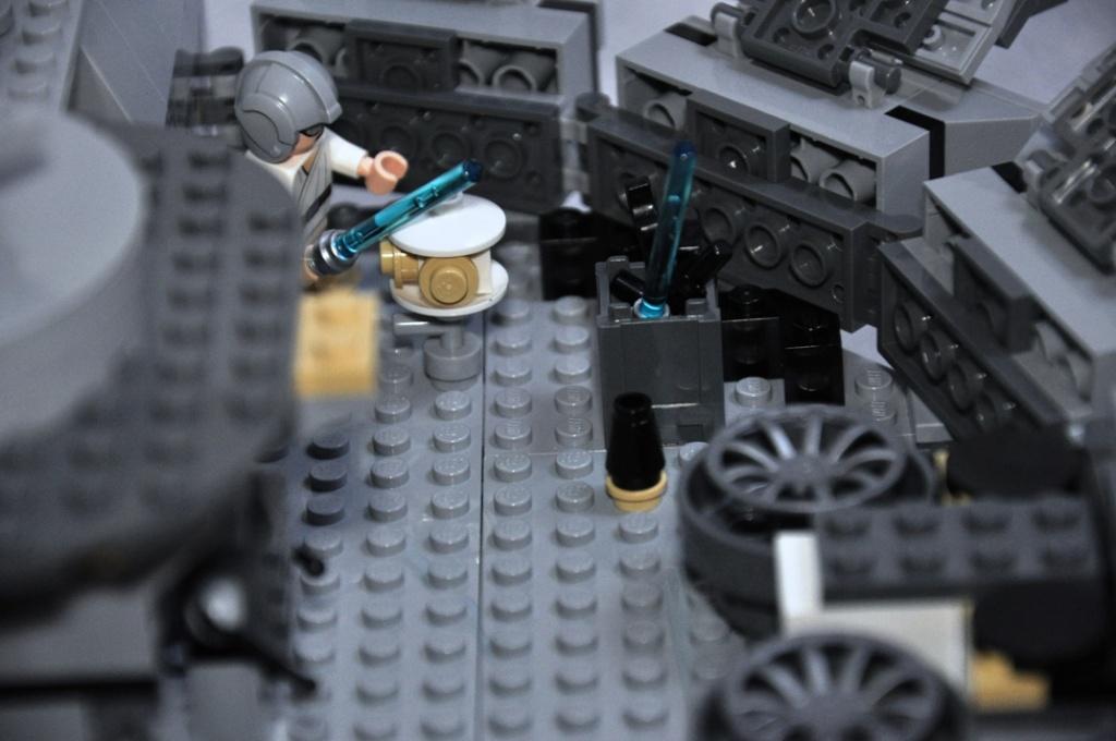 LEGO STAR WARS - 7965 - Millennium Falcon  Dsc_0565