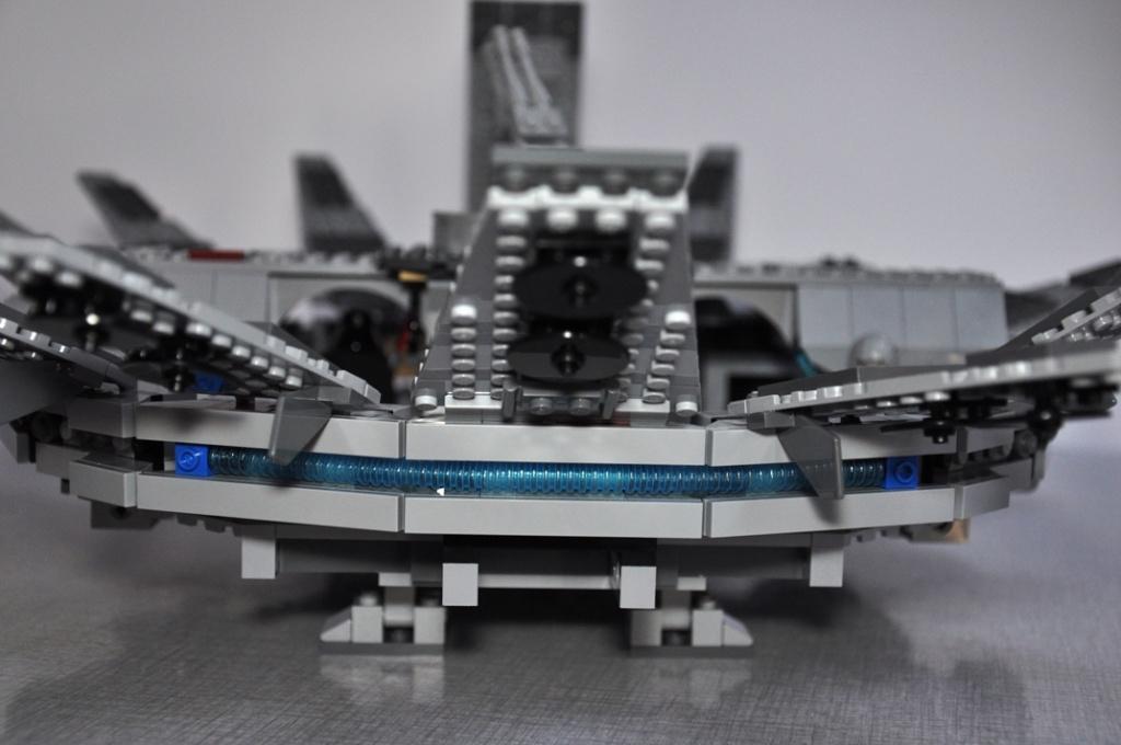 LEGO STAR WARS - 7965 - Millennium Falcon  Dsc_0567