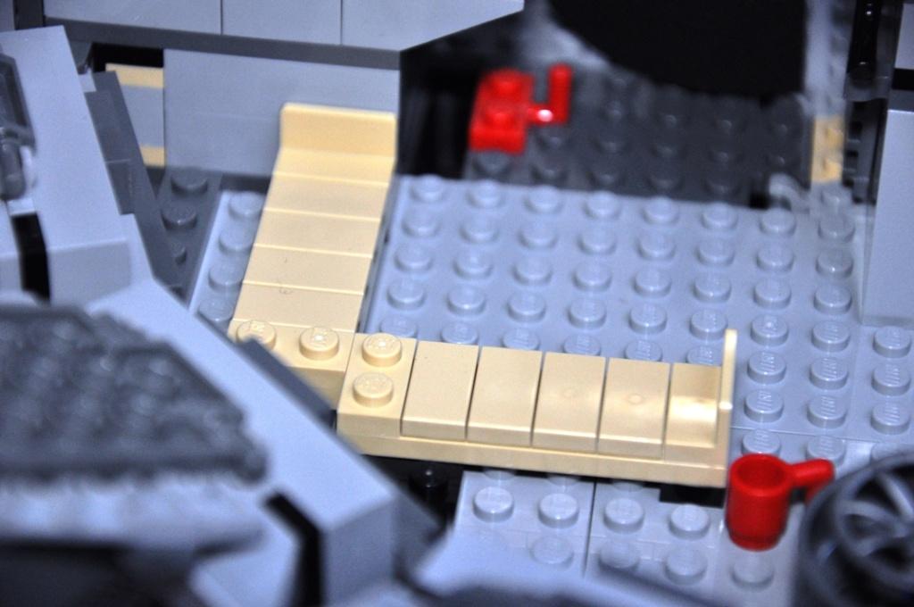 LEGO STAR WARS - 7965 - Millennium Falcon  Dsc_0568