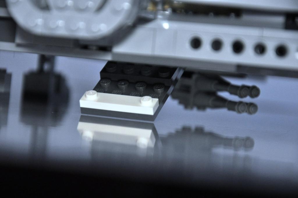 LEGO STAR WARS - 7965 - Millennium Falcon  Dsc_0569