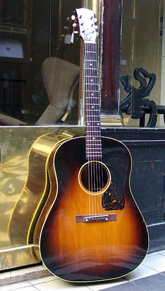 Gibson J45 Banner J45-4511