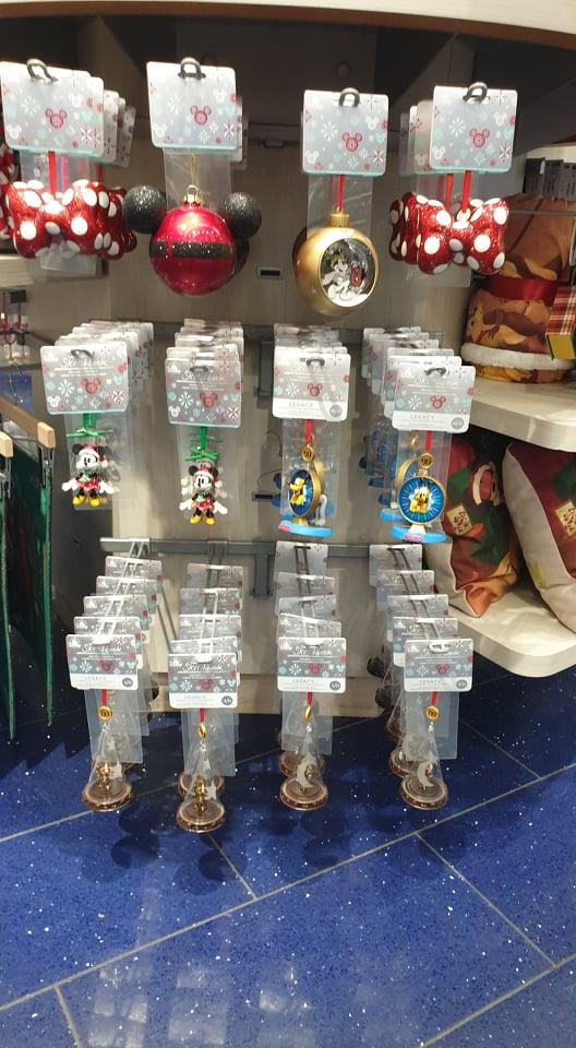 Les suspensions Disney (Disney Store, Disney Parks) - Page 27 13146210