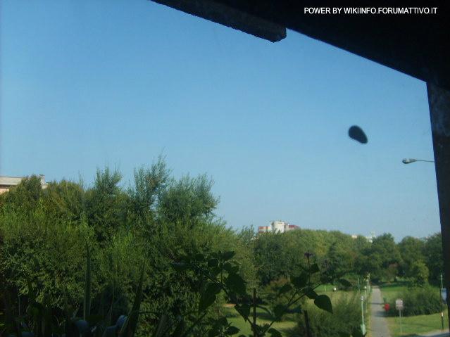 Come creare immagini di avvistamenti UFO 2uibz310