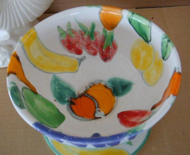 Crown Lynn & Catherine Anselmi stamped fruit bowl !! Dsc00811