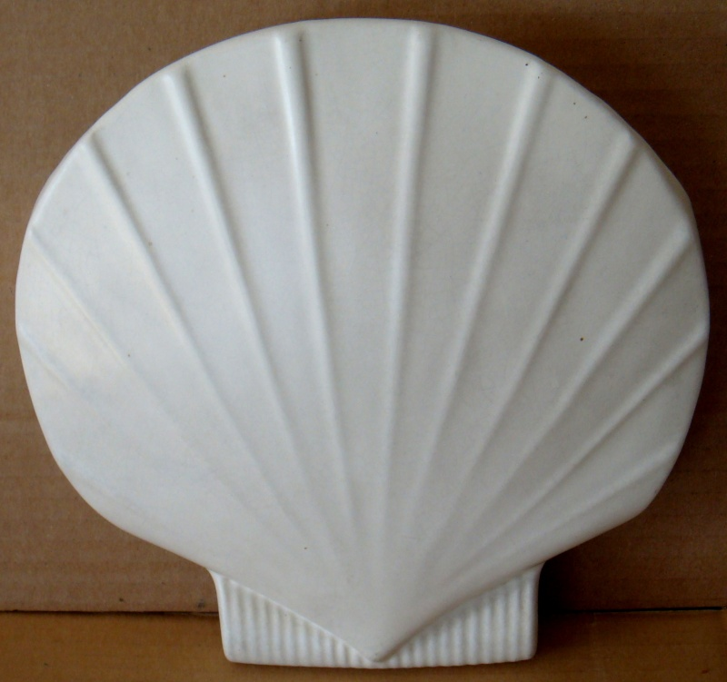 Scallop Wall Vase #120 for the gallery Dsc01014