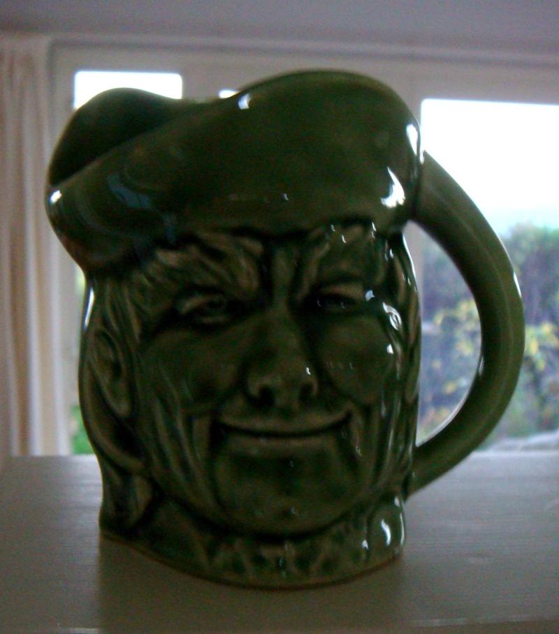 431 Santa mug and 432 toby jug INQUEST. Dsc02930