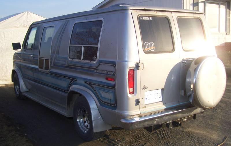 ford E-150 de retour sur le marcher 2247j810