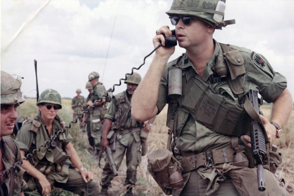 US Advisor 3nd Ranger ARVN 5-mili10