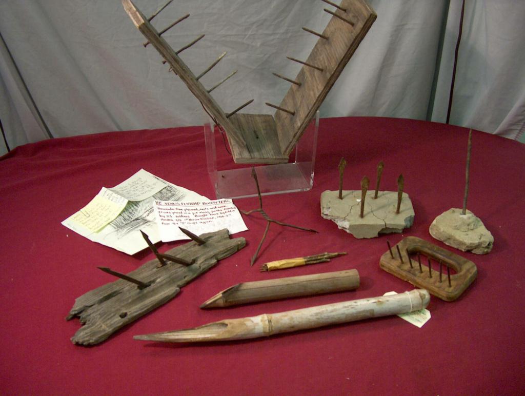 Les pièges en bambou Vietcong (Booby traps) partie 2 Nva05610
