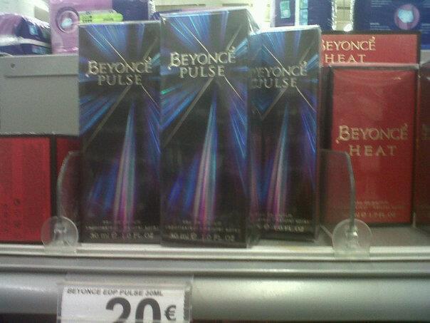 Parfumerie de Beyoncé - Pulse, Automne 2011 - Page 20 41710510