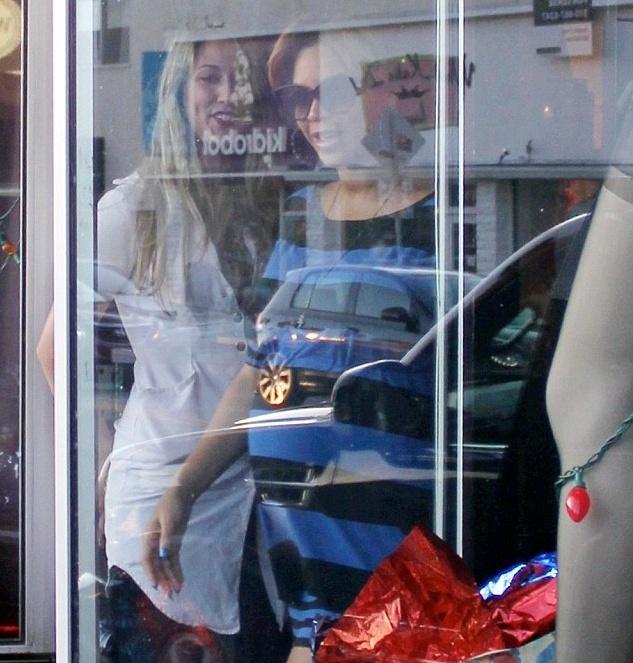 Beyoncé faisant du shopping à West Hollywood [13.12] Tumblr68