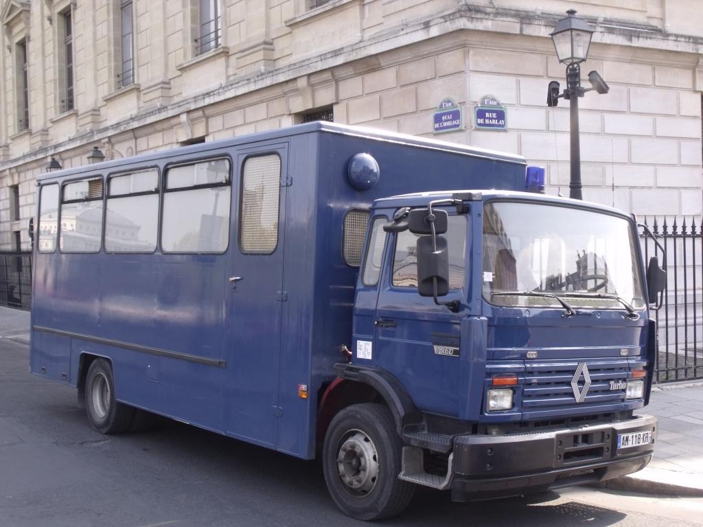 Midliner bleu à identifier. Dscf3410