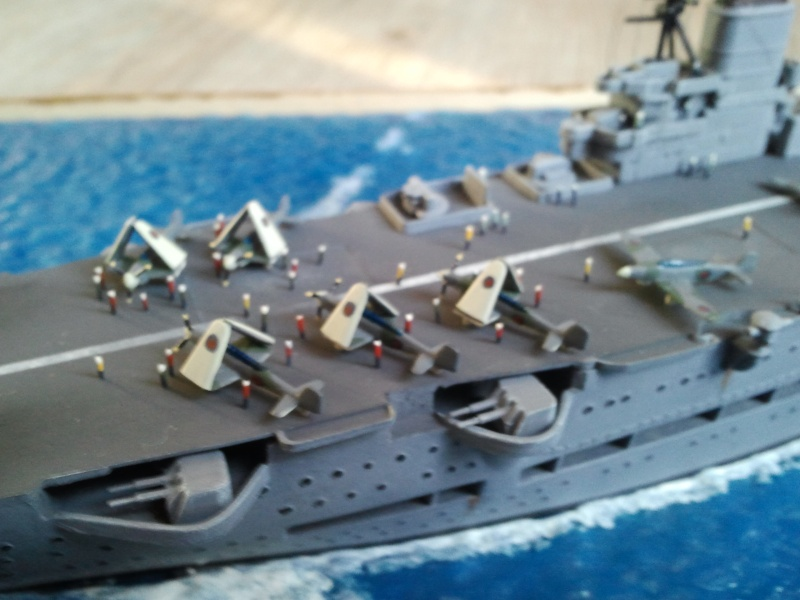 HMS Ark royal & HMS Cossack airfix Photo013