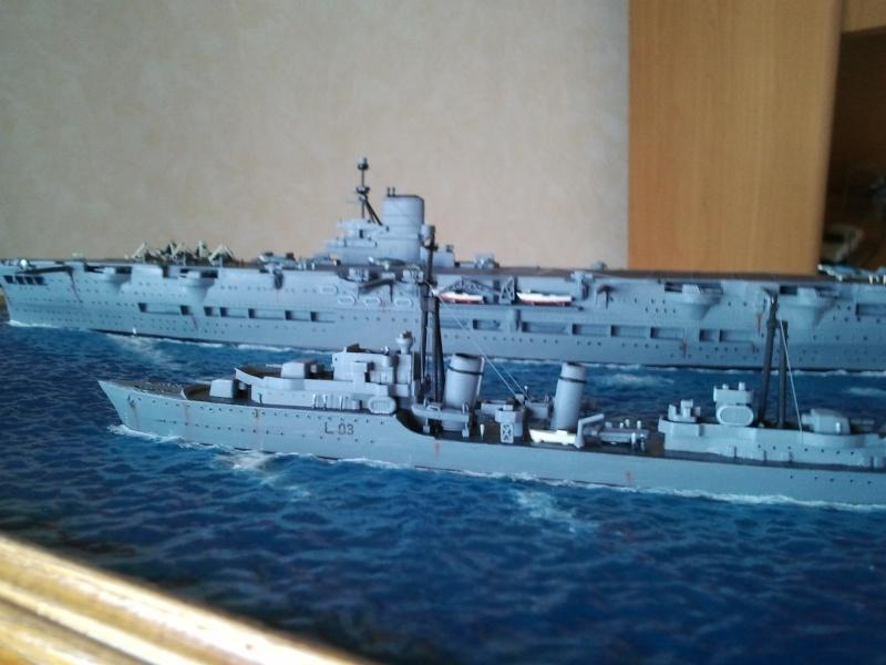 HMS Ark royal & HMS Cossack airfix Photo015