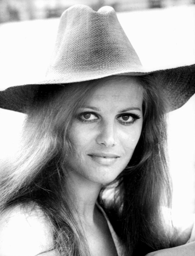 Claudia Cardinale - Page 16 Post-211