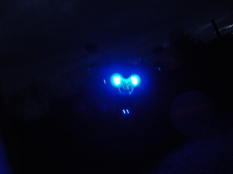 ampoule de veilleuses bleus - Page 3 Imgp0111