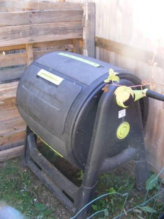 Monthly Avatar Theme For November: Compost! Dscf0180