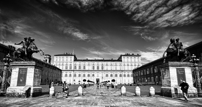 Palazzo Reale in HDR B&w Palazz10