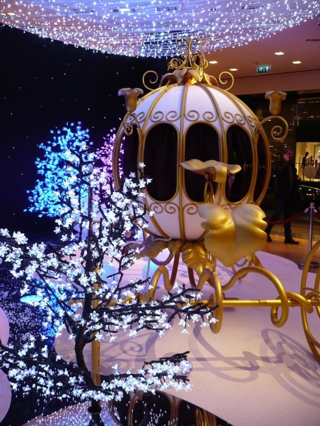 Disney pop up store aux galeries lafayette (du 5/11/2012 au 5/01/2013 ) - Page 2 09810