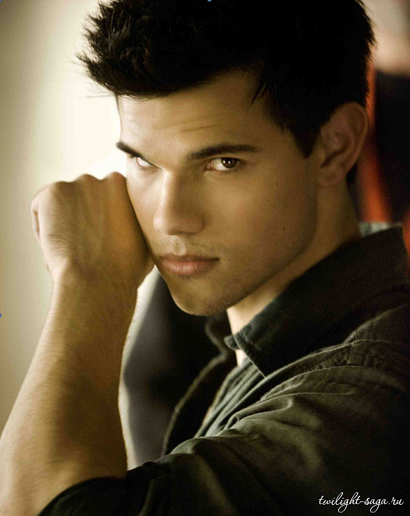 Jacob Black 18614010