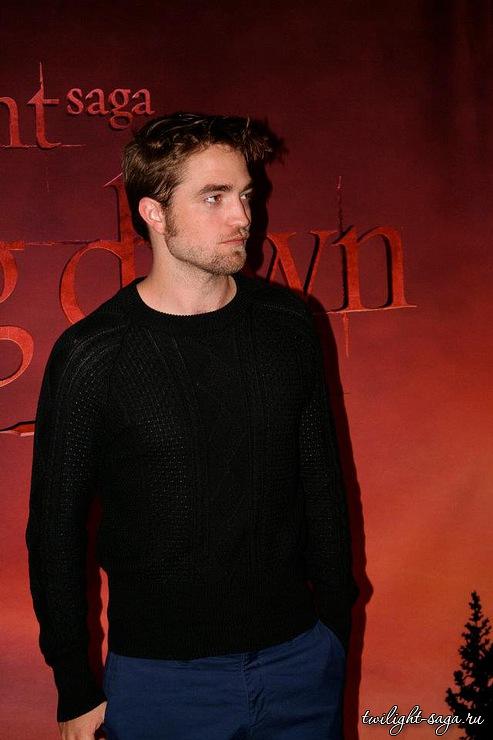 Robert Pattinson (Edward) 18614012