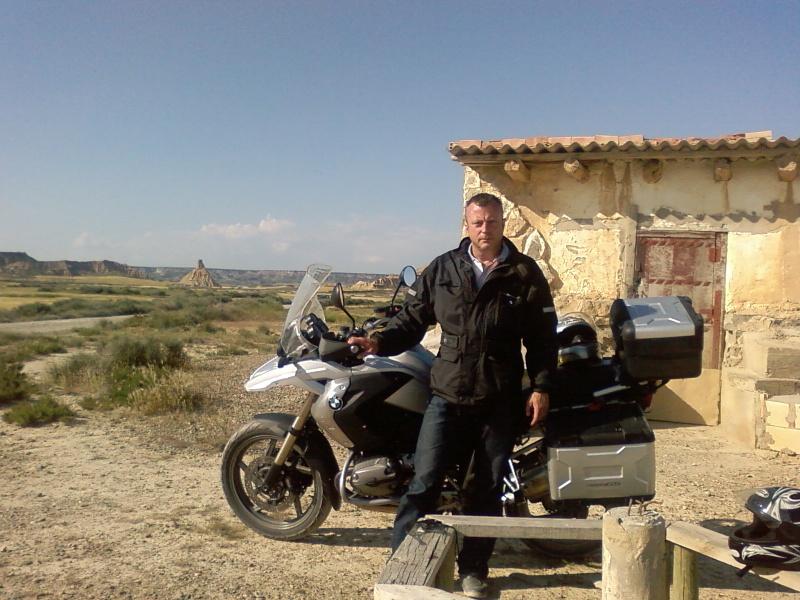 Après la moto, me présenter, et ma tronche.....vous voulez quoi? Sp_a0911