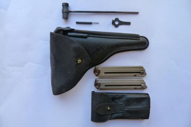 portugais - Les étuis et accessoires des pistolets Luger portugais, de 1906 à 1942. 00118