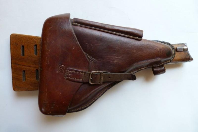 Les étuis et accessoires des Luger finlandais, modèles M 23. 00124