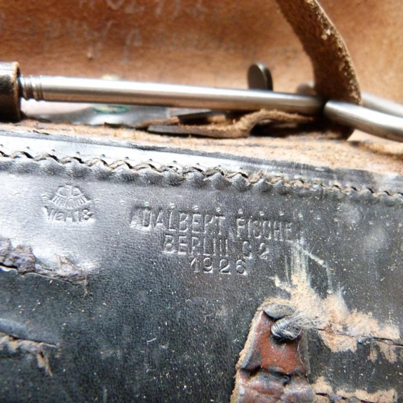 Les étuis et accessoires du Luger sous la république de Weimar. 00322