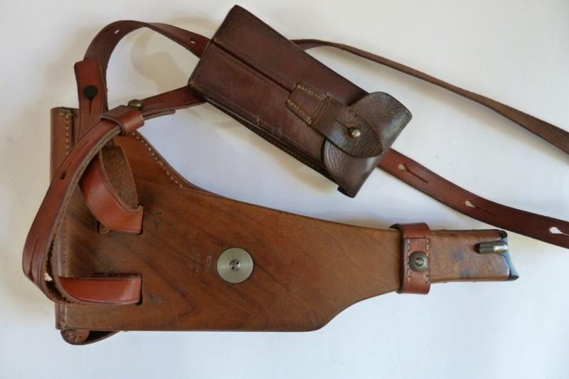 Les étuis et accessoires des Luger commerciaux, dit de marine, 1906-1930. 00427