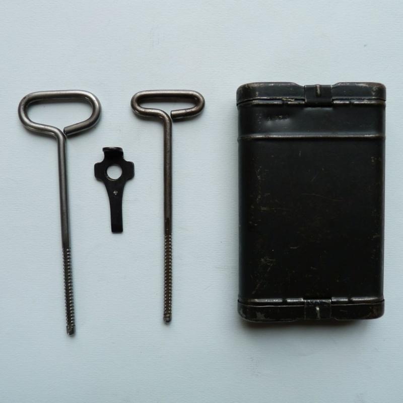 Les étuis et accessoires du Luger P 08, en Allemagne, de 1930 à 1945. 00916