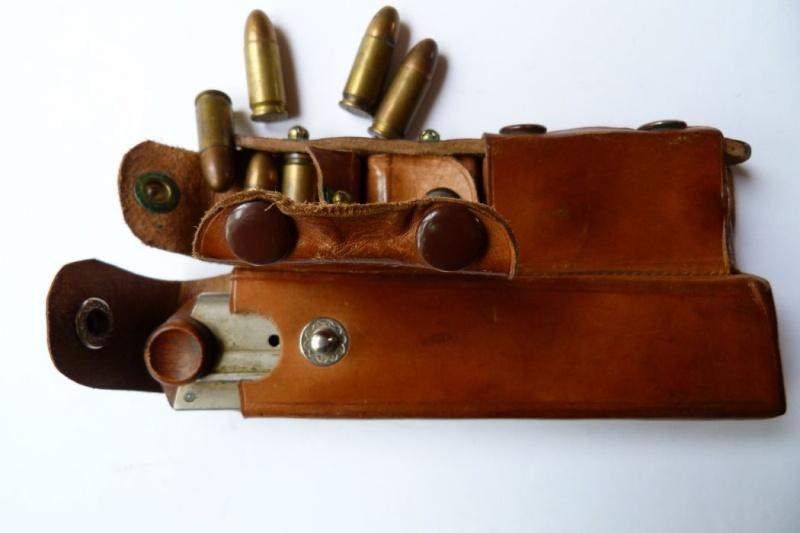 Les étuis et accessoires des Luger bulgares, de 1900 à 1943.  00918