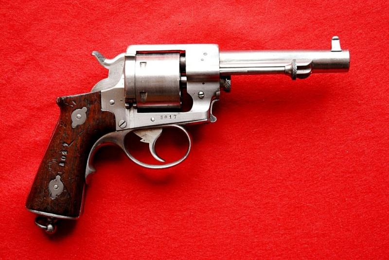 Revolver 1870 02390011