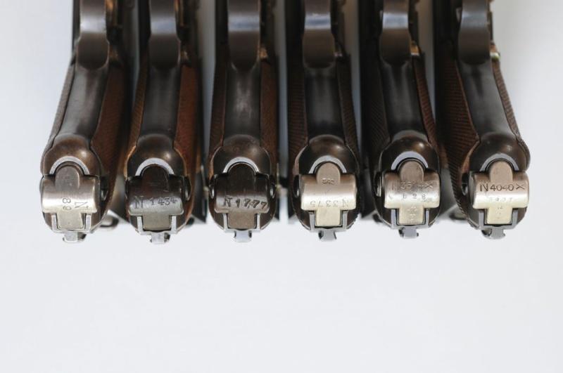 Les pochettes pour loger les chargeurs de rechange de Luger. Charge52