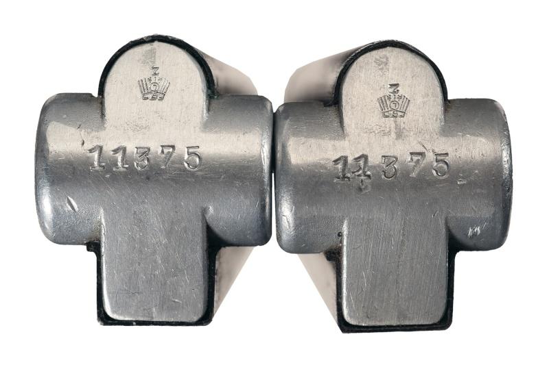 Les pochettes pour loger les chargeurs de rechange de Luger. Charge55