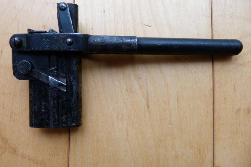 Les étuis des Luger P 08/14 d'artillerie de l'armée impériale allemande. Holste44