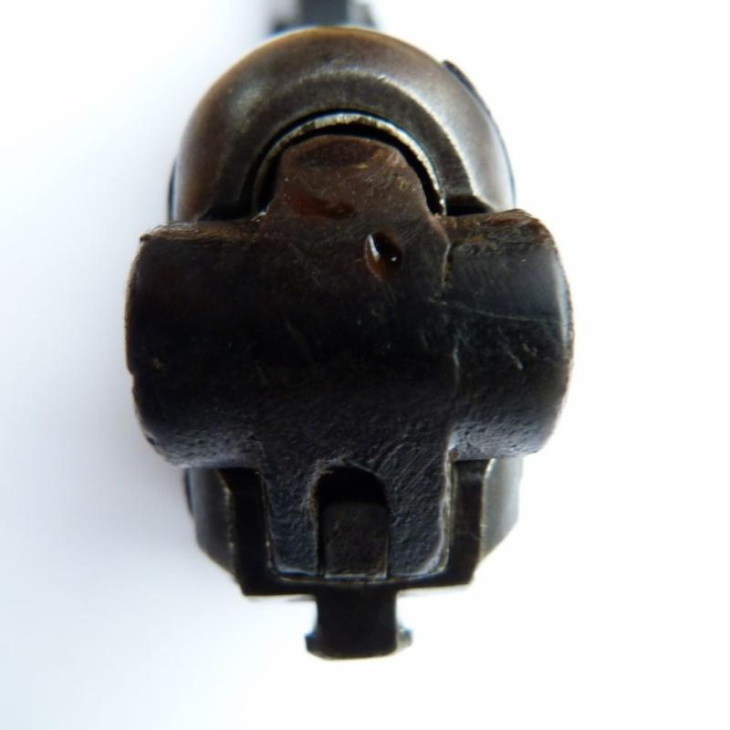 Les étuis et accessoires des Luger hollandais. Holste56