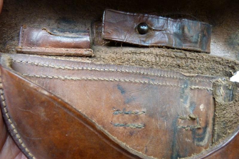 Les étuis et accessoires des Luger hollandais. Holste58