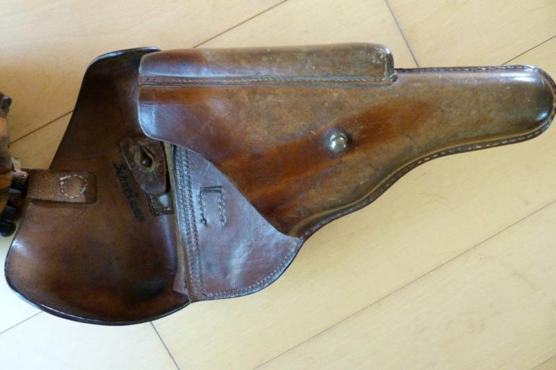 Un étui pour Luger à canon de 10 cm, d'origine inconnue. Holste66