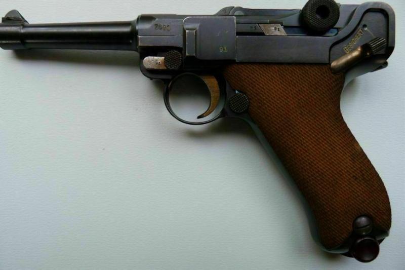 Pistole 08... P_08_d11