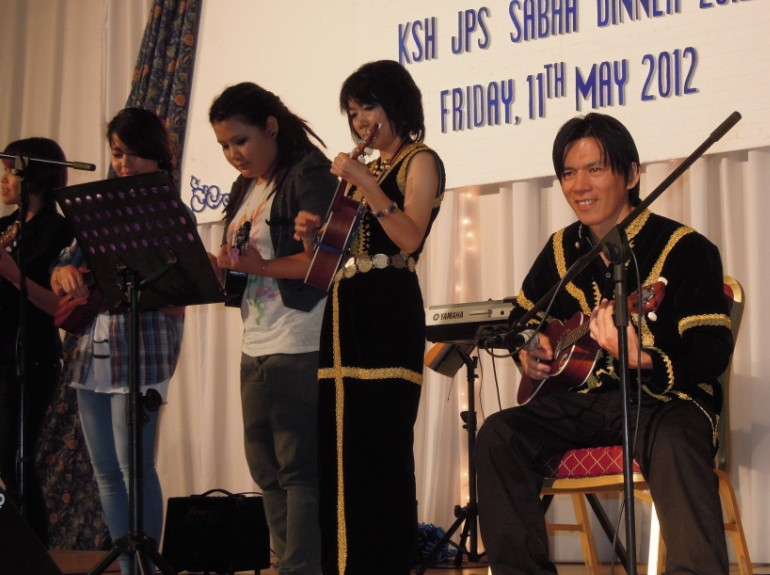 Unity In Diversity Through KSH JPS Sabah Dinner 2012 - Page 5 1130