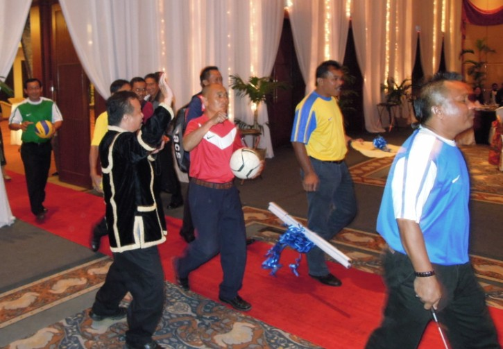 Unity In Diversity Through KSH JPS Sabah Dinner 2012 - Page 3 1230