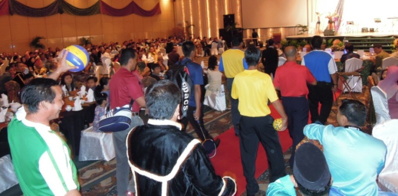 Unity In Diversity Through KSH JPS Sabah Dinner 2012 - Page 3 1325